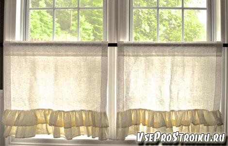 Льняные шторы в интерьере кухни