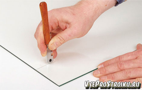 Как правильно разрезать стекло стеклорезом
