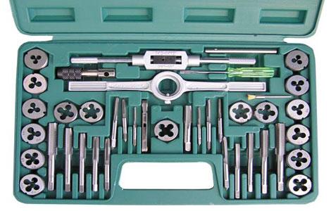 Каким инструментом нарезают резьбу?