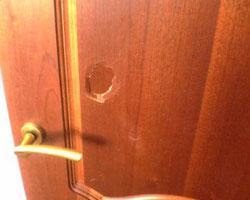 Филенка двери плохо удерживается