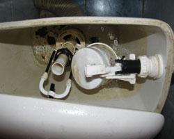 Стекание воды с бачка