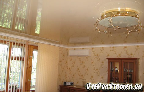 Что следует сделать раньше натяжной потолок или обои?