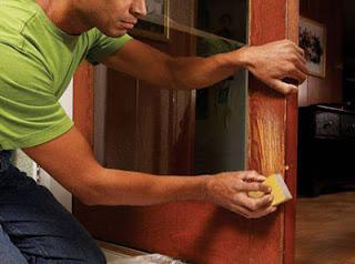 Как отремонтировать лакированные двери?