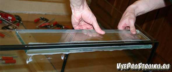 Как правильно приклеить стекло